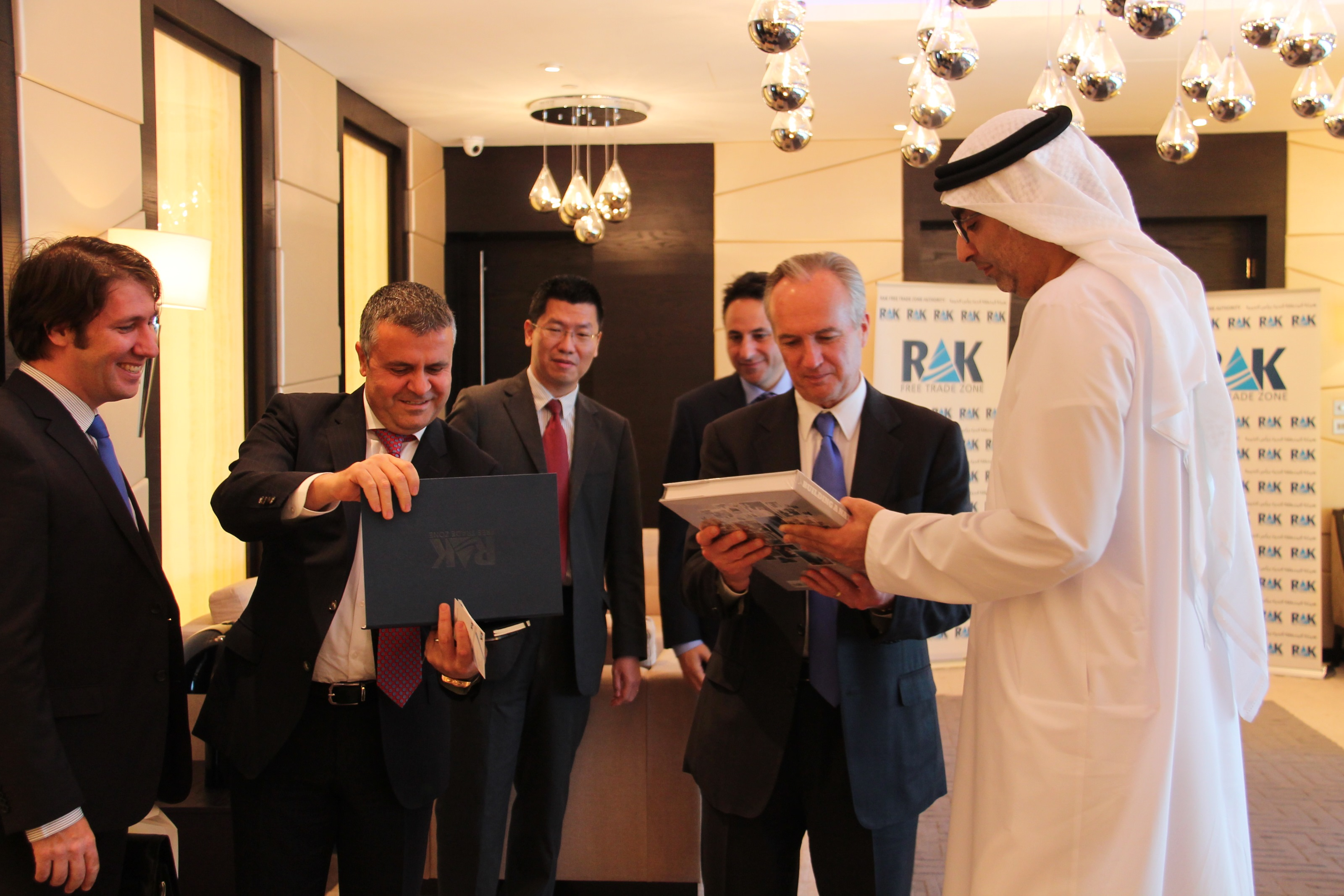 imgRAK FTZ Chairman (R) with officials from Peppers and Rogers visited RAK FTZ